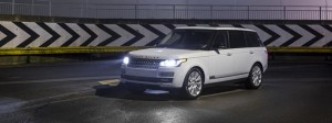 Yulong White Range Rover LWB Vogue SE