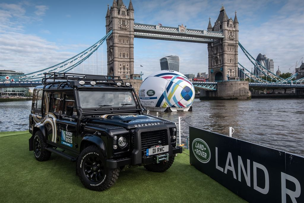 Land Rover Defender 110 - Rugby World Tour 2015